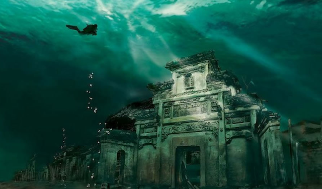 Amazing underwater city in China