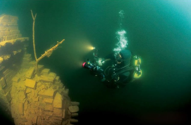 Shicheng - The lost underwater city in China 3