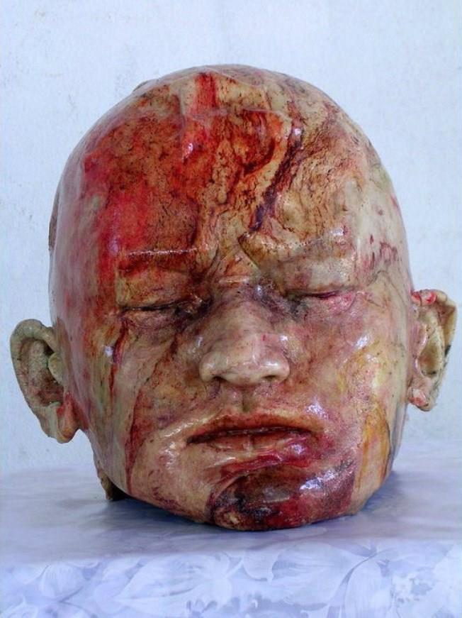 Serious detail on the human head bread