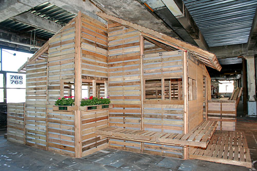 pallet-house12