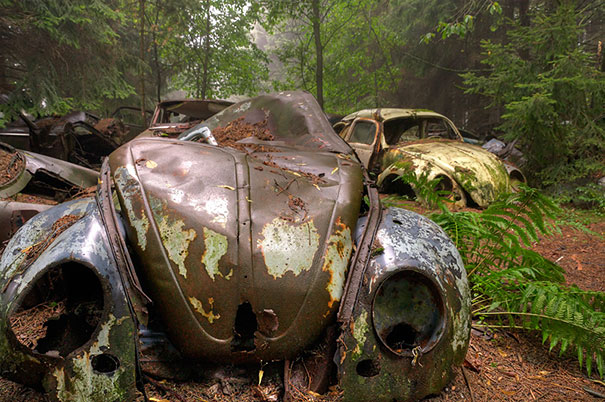 Chatillion Car Graveyard 4