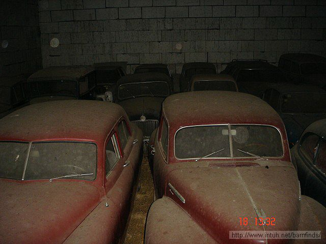 barn of cars 25