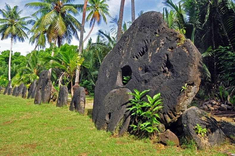 giant stone coins of yap 1
