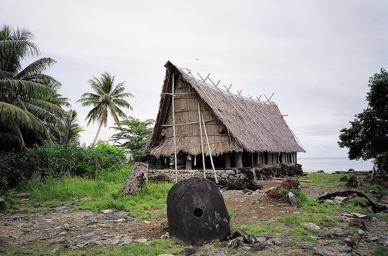 giant stone coins of yap 4