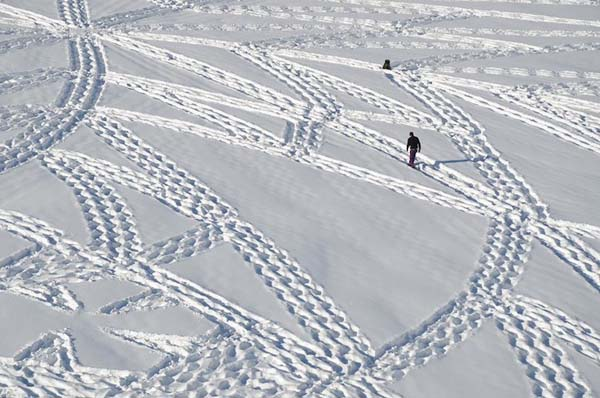 simon beck snow art 1