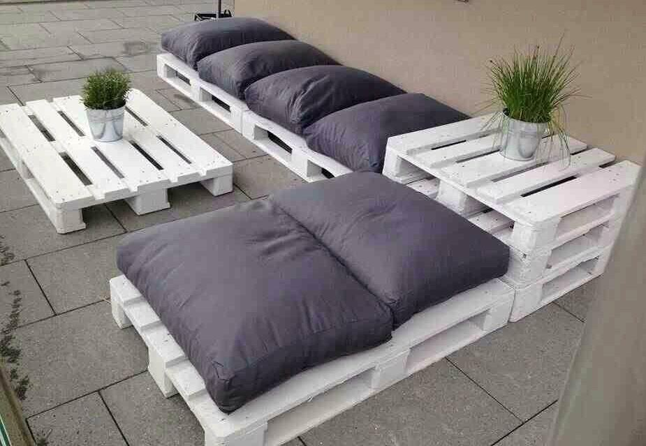 20 brilliant ways to reuse old discarded shipping pallets - Deco jardin palette ...